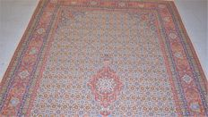 Beautiful Persian rug, moud with silk, 20th century, approx. 1980 - approx. 245 x 150 cm - with certificate of authenticity.