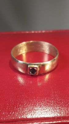 18K yellow gold vintage ring set whit a Sapphire, No reserve