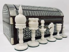 Old Tal Mahal chess  made of bone with marquetry box