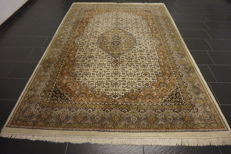 Oriental carpet Indo Tabriz, made in India at the end of the 20th century 200 x 300cm good condition