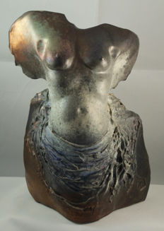 Joaquin Vidal Marti - nude bust of young woman