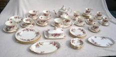 "Complete breakfast tableware set Royal Albert ""Lavender rose"" porcelain 51 pieces"