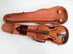 Antique violin in Max Möller box 60cm, with bow