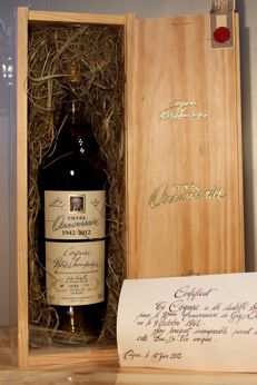 "Lhéraud Cognac - Cuvée Anniversaire - ""1942-2012"", including original wooden box, 0,7l/70cl, 42%vol, with certificate"