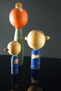 Unknown manufacturer - vintage wooden kokeshi ningyou doll family