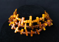 Baltic Amber necklace old honey butterscotch egg yolk colour, vintage, 83 gram