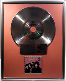 """The Doors - The Doors Greatest Hits 3 -  12"""" Duchesse Music platinum plated record with CD and cover by WWA gold Awards"""