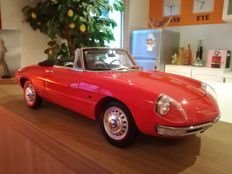 Whitebox - Scale 1/8 - Alfa Romeo Duetto Spider 1966 - Red - Only 250 copies