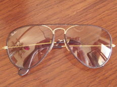 B & I Aviator Leathers Ray Ban Vintage Bausch & Lomb Photochromatic lenses - US made glasses