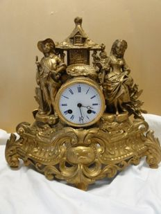 French romantic pendulum clock with double statue – 1880s