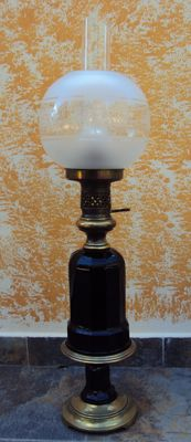 Elegant and large oil lamp with base in black opal and light with double glass - Belgium - late 1800s/early 1900s
