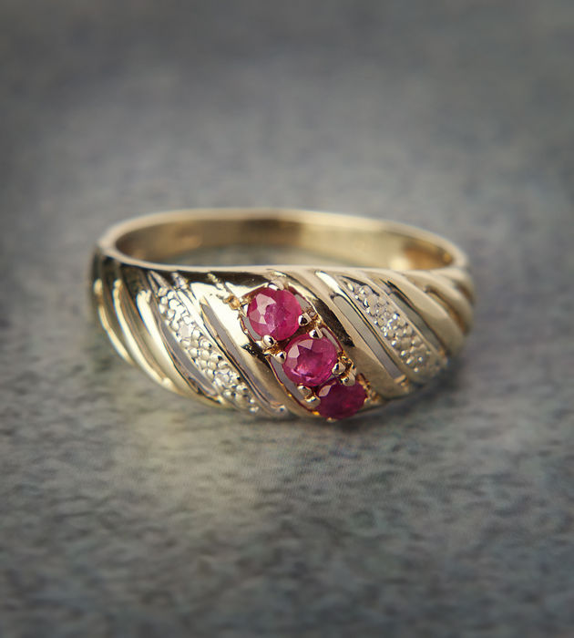 Timeless 14k / 585 Gold Ruby & Diamond RS: 51 ; USA: 5,5 - 16,1 mm ∅
