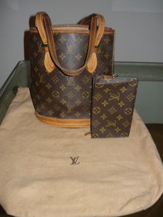 Louis Vuitton - Petit Bucket Vintage with Pochette