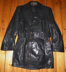 WW2 - leather pilot jacket. Rare early air force pilot fighter leather jacket model.