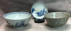3 pieces of Nanking cargo 2 bowls , 1 plate - China - ca 1750
