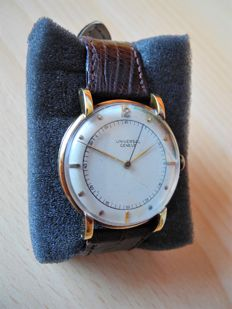Universal Genève vintage time capsule, 18 kt yellow gold, 1955