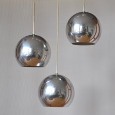 Verner Panton for Louis Poulsen - Three aluminium spherical ceiling lights - model Topan