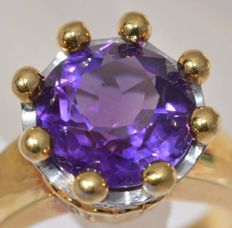 18 kt yellow gold Ring - 11.60 gr. - set with Amethyst and diamond - size 8,30 - Free resizing