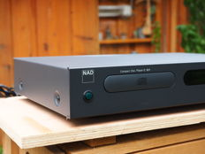 NAD C-521 nice, audiophile, no nonsense CD player from the Classic series in the characteristic, unique NAD design. Year of manufacture 2001
