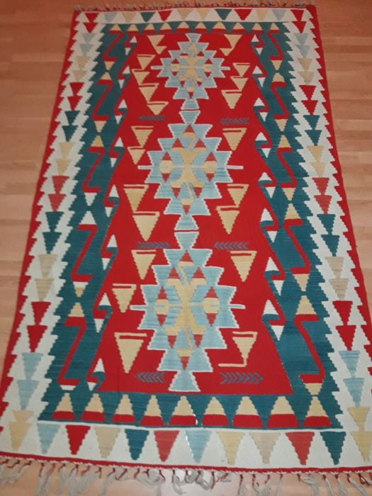 Hand knotted Turkish Kilim 143 x 232 cm new kilim