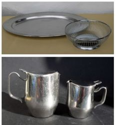 Lotto: Alfra/Alessi, four items:  Round wire basket + serving tray + pair of milk jugs. Designed by Alessi Technical Office