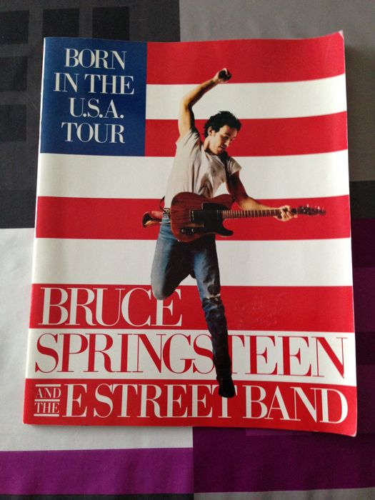 Lot of tour booklets