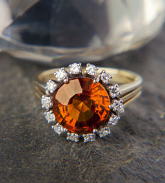 Unique Entourage / Engagement  Ladys Ring with 3,5 CT Citrine 585 Gold & 14 Diamonds