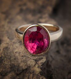 Modern Design Synthetic Ruby Ring 14 k / 585 Gold - RS: 58; US: 8,5 - 18,5mm∅