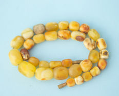 Old Baltic Amber necklace old honey butterscotch egg yolk colour, vintage, 32 gram