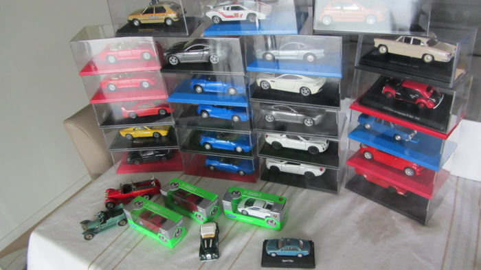Various - Scale 1/43 - 1/34-1/60 - Lot with 52 models: Porsche, Ferrari, Aston Martin, Lamborghini, Peugeot, Simca & Renault