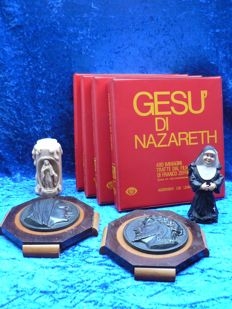 Miscellaneous - Plaques, candlestick, figurine and slides of the series Jesus of Nazareth