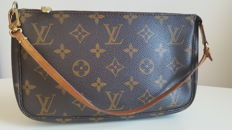 Louis Vuitton - Clutch bag.