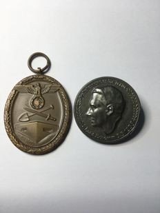 1933-1945 3.Reich Gauleiter Hans Schemm and medal - protection wall decorations.