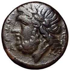 The Greek Antiquity - Northern Apulia, Arpi - Æ (Bronze, 20mm, 7,40g), c. 325-275 BC - Head of Zeus / Boar - SNG ANS 635 (note); Rutter HN Italy 642 (note)