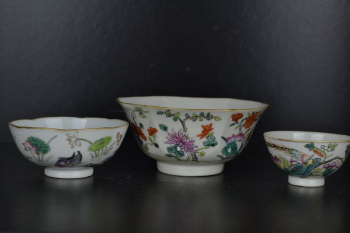 3 Famille Rose bowls - China - early 20th century