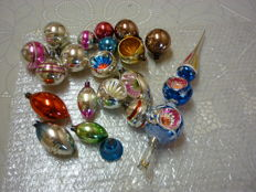 20 pieces antique Christmas decorations. AJEKO.