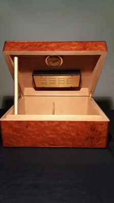 Humidifier cigar box, Walwood house