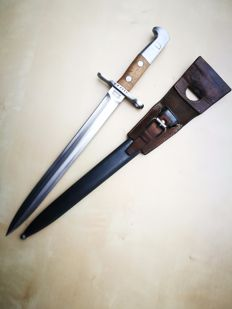 Swiss bayonet M1918 for Schmidt Rubin - with sheath and leather frog (from 1917).