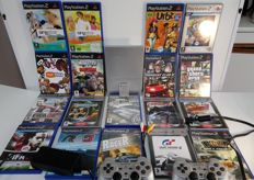 Playstation 2 Slim Grey Edition + 18 Games + 2 Controllers + 1 Memory Card