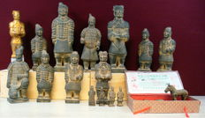 Collection of Terracotta figurines, repro warriors from the tomb of Emperor Shi, Din Dynasty