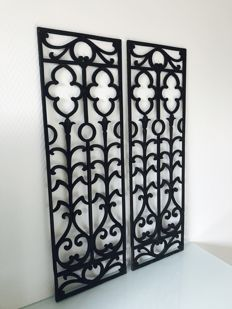 Chic set of wrought iron ornamental panels - black -