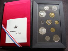 France - Monnaie de Paris - Year pack 1990 in canteen (11 coints)