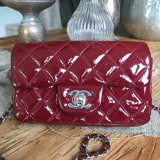Chanel – Flap bag in patent leather