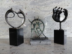 3 beautiful burnished sculptures on matching pedestals, by Dutch artists