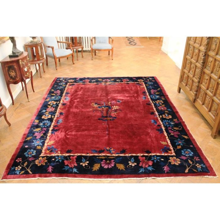Capital investment a magnificent antique China Art Deco oriental carpet, made in China, 300 x 240 cm, Beijing circa 1920