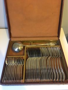 Silver plated metal silverware set, 20th century, 37 pieces, floral decorations