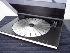Bang & Olufsen BeoGram 9000 tangential turntable with new needle