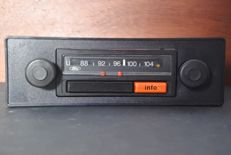 Blaupunkt Ford M12 car radio with FM (U) from 1973