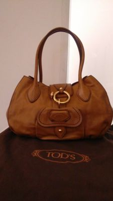 Tod's shoulder bag with two handles