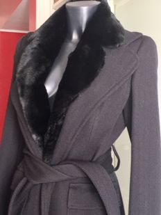 Dolce&Gabbana - Black Coat with fur neck